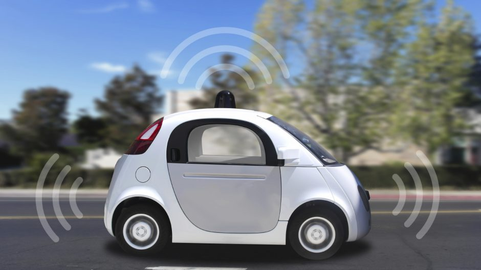 connected driverless car - iStock_000073459443_Medium
